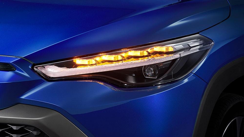 Đèn pha của Toyota Corolla Cross 2021 bản tầm trung