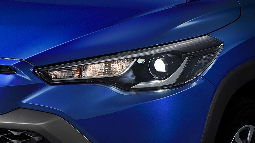Đèn pha của Toyota Corolla Cross 2021 bản tiêu chuẩn