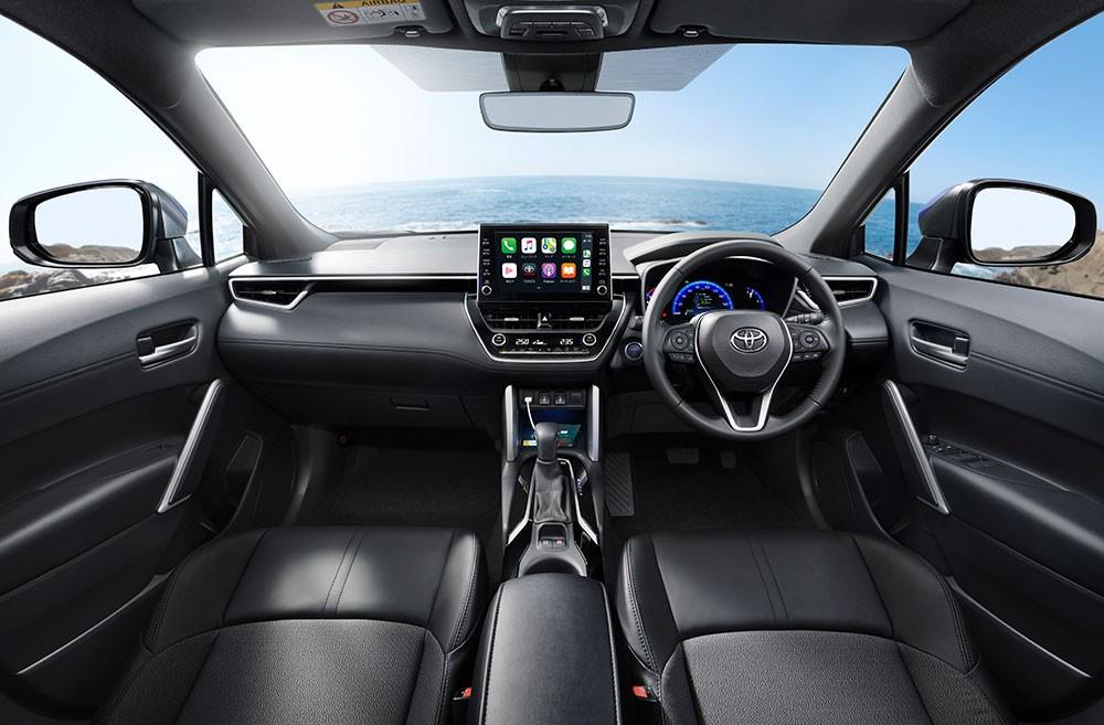 Toyota Corolla Cross 2021 cũng có màn hình trung tâm nằm độc lập trên mặt táp-lô