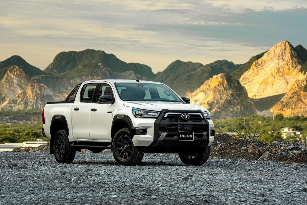 Toyota Hilux có giá niêm yết thấp hơn Ford Ranger nhưng lại không có ưu đãi giảm giá để tranh đua.