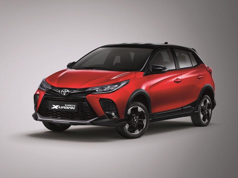 Cận cảnh thiết kế đầu xe của Toyota Yaris X-Urban 2022