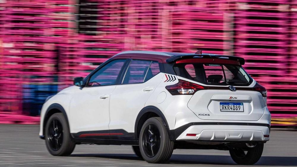 Nissan Kicks XPlay 2022 có thêm cánh gió mui mới