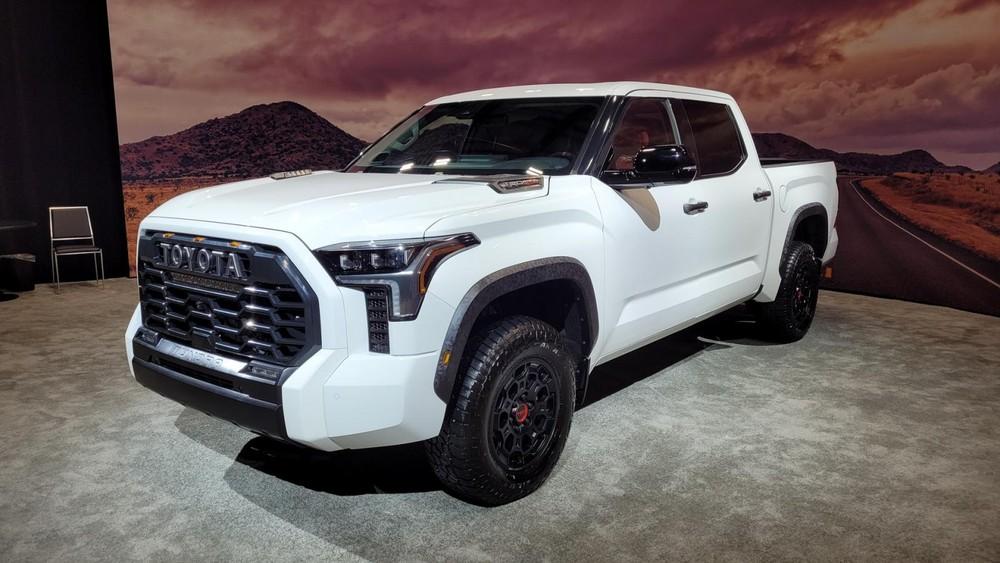 Toyota Tundra TRD Pro 2022 được trang bị động cơ yếu hơn Ford F-150 Raptor