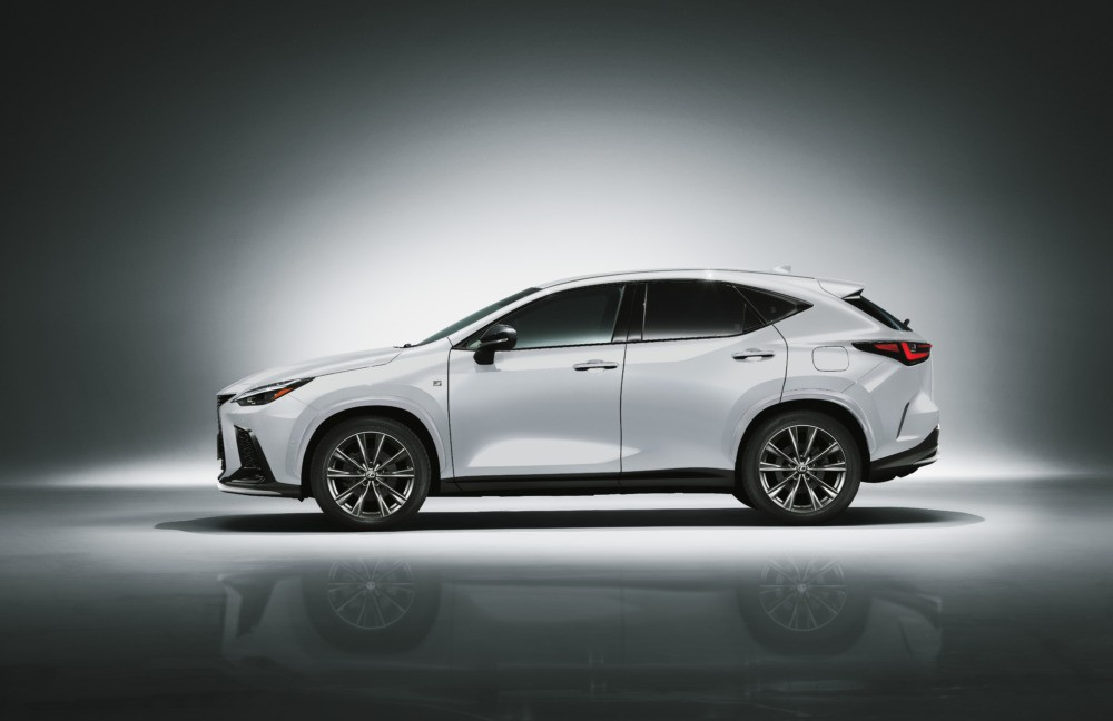 Lexus NX 2022 dài rộng hơn trước nhưng lại nhẹ hơn