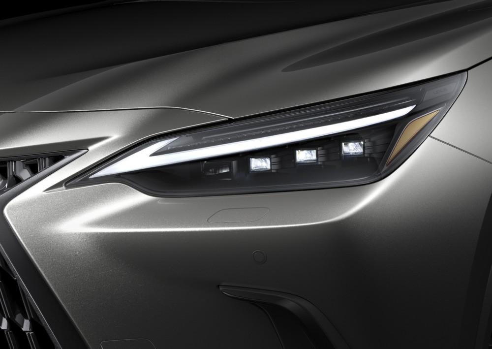 Cận cảnh đèn pha của Lexus NX 2022