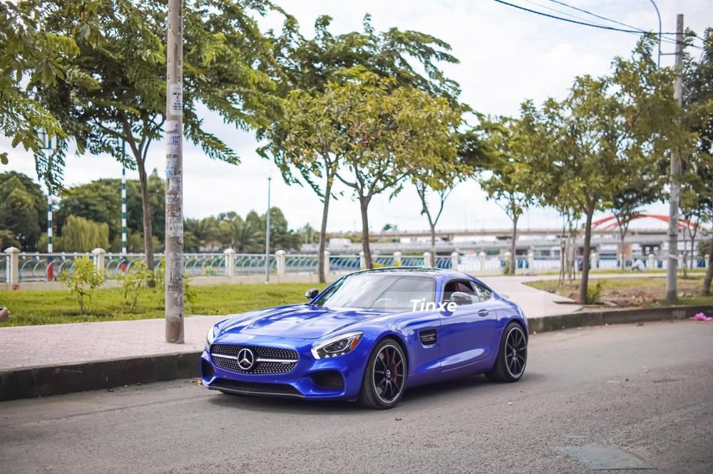Mercedes-AMG GT S có tốc độ tối đa 325 km/h