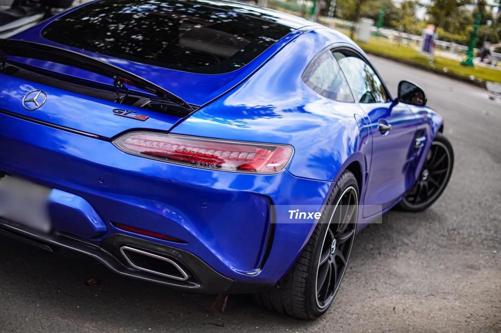 Mức giá để trải nghiệm Mercedes-AMG GT S chính hãng tại Việt Nam phải trên 8,35 tỷ đồng