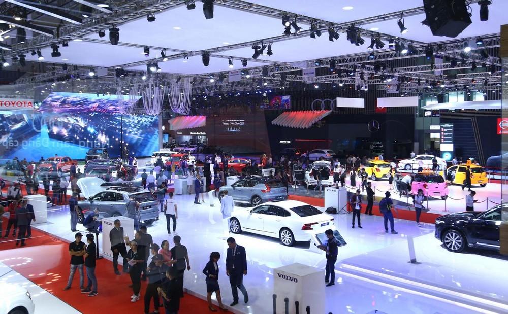 Triển lãm VMS được khách Việt quan tâm bởi đây chính là nơi các hãng xe phô diễn các dòng xe đang phân phối cũng như hé lộ những sản phẩm mới sắp sửa ra mắt.