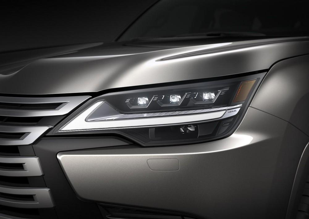 Cận cảnh đèn pha của Lexus LX 2022