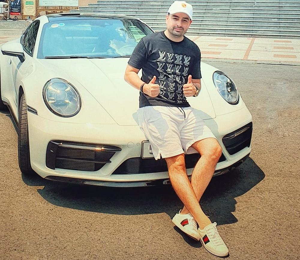 Chủ nhân của siêu xe giới hạn Lamborghini Aventador SVJ từng trải nghiệm qua dòng xe thể thao Porsche 911 đời mới