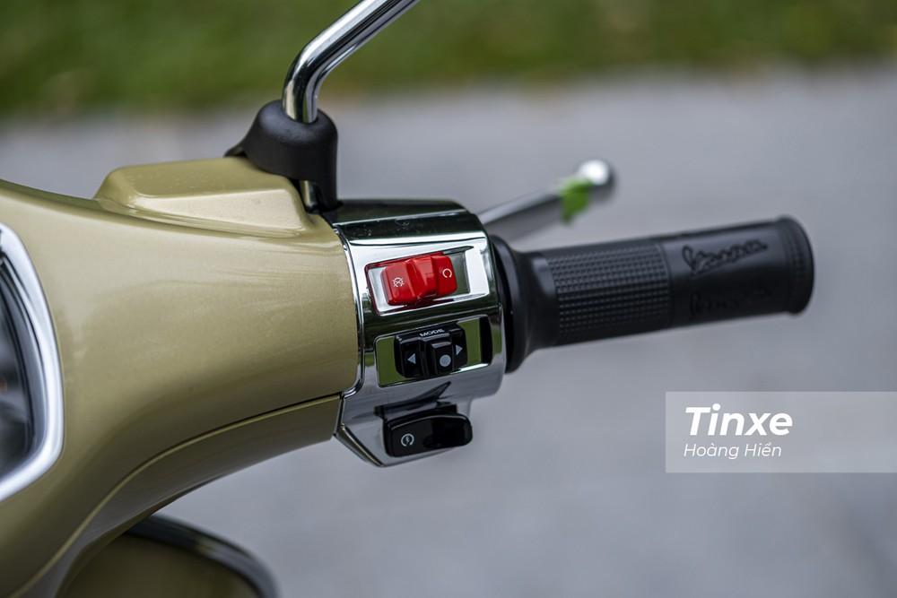 Ngoài ra, Vespa Primavera cũng được bổ sung thêm nút ngắt động cơ tương tự như Vespa GTS.
