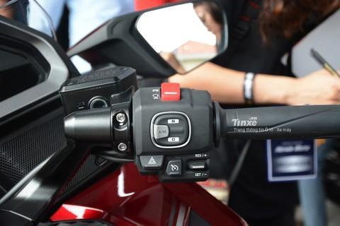 Chưa dừnglạiđó, động cơ của Honda Gold Wing 2018 cònđượctíchhợpthêmhệ thống điều khiển bướm ga ride-by-wire với4 chế độ lái làTour, Sport, Econ và Rain.