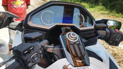 Bảng đồng hồ và bảng điều khiển Honda Gold Wing 2018