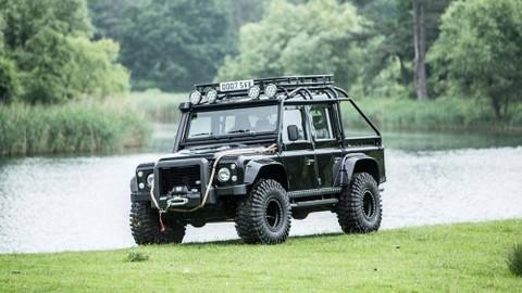 Land Rover DefenderSVX 2014