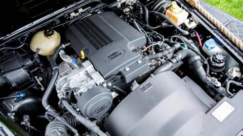 Động cơ xe đã được tinh chỉnh lại và có thể sản xuất 185 mã lực và mô-men xoắn cực đại 368 lb-ft