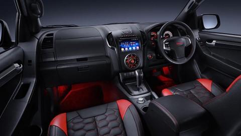 Nội thất khoang lái của Isuzu D-Max X-Series
