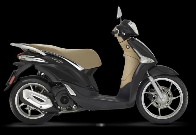 Mẫu Piaggio Liberty 125 ABS màu Nero Vulcano