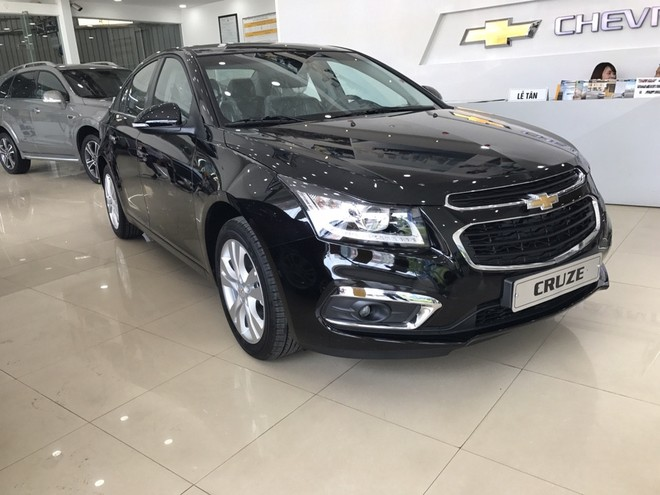 Chevrolet Cruze 2018 màu đen