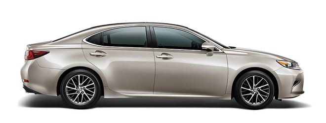 Mẫu Lexus ES màu đồng