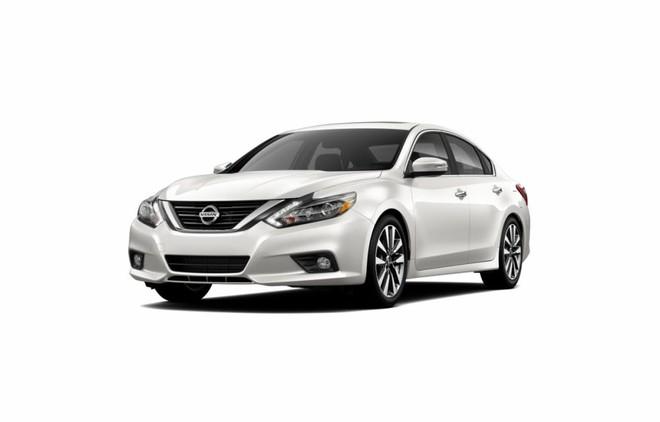 Mẫu Nissan Teana màu trắng