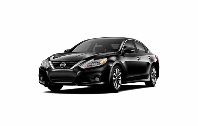 Mẫu Nissan Teana màu đen