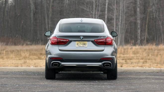 đuôi xe BMW X6