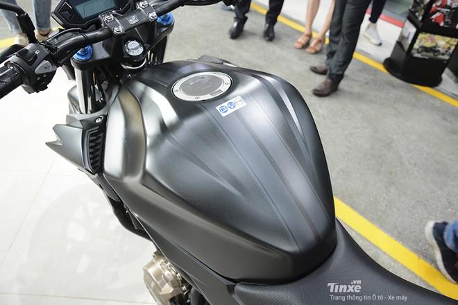 Trang bị bình xăng Honda CB500F