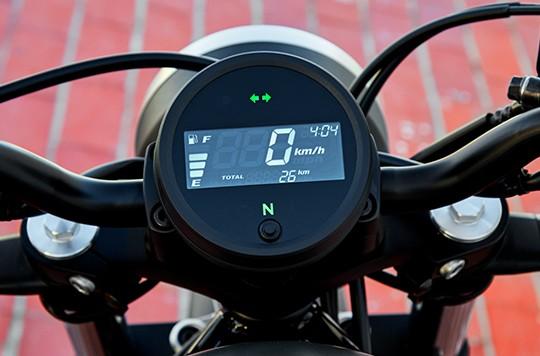 Thiết kế đồng hồ trên Honda Rebel 300