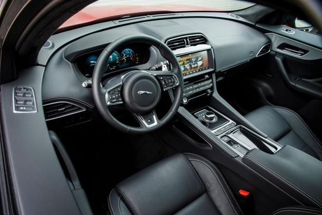 Thiết kế nội thất Jaguar F-Pace