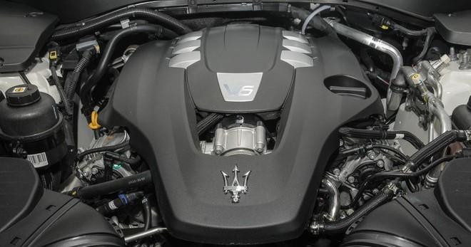 Trang bị động cơ Maserati Levante