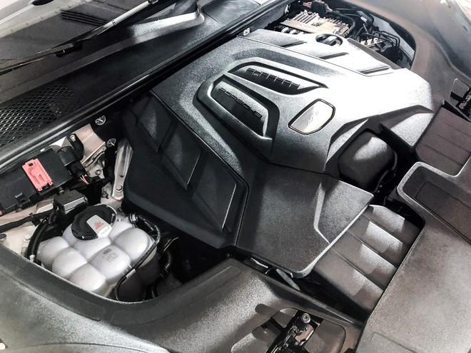 Trang bị động cơ Porsche Cayenne