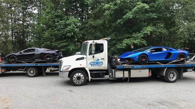 Cảnh sát Canada tạm giữ 2 chiếc siêu xe hàng hiếm Lamborghini Aventador LP750-4 SV (màu xanh) và McLaren 675LT Spider do chủ nhân đua xe trên cao tốc