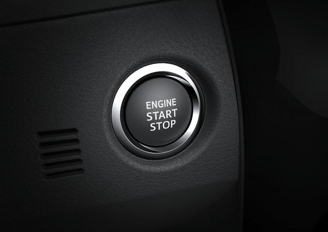 Nút bấm khởi động máy trong xe