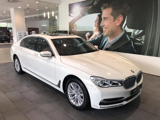 BMW 730Li và 740Li 2018 có thiết kế ngoại thất gần như giống hệt nhau