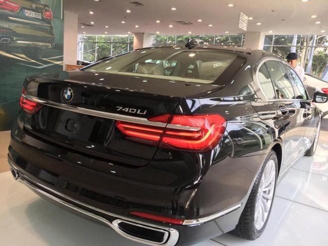 BMW 740Li 2018 dùng vành hợp kim 19 inch