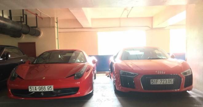 Hoá ra chủ nhân của căn hầm trên còn sở hữu nhiều siêu xe khác. Trong ảnh là cặp đôi Ferrari 458 Italia và Audi R8 V10 Plus tông xuyệt tông màu đỏ