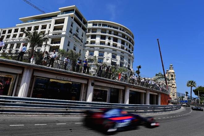 Chặng đua F1 ở Monaco cũng được tổ chức ngay trên các con phố chính của thành phố này