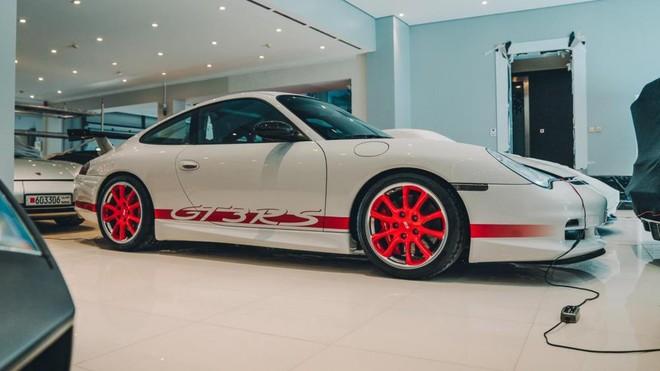 Dàn xe Porsche trong bộ sưu tập hơn 3 nghìn tỷ đồng tại Vương quốc Bahrain còn có chiếc 911 GT3 RS (996)
