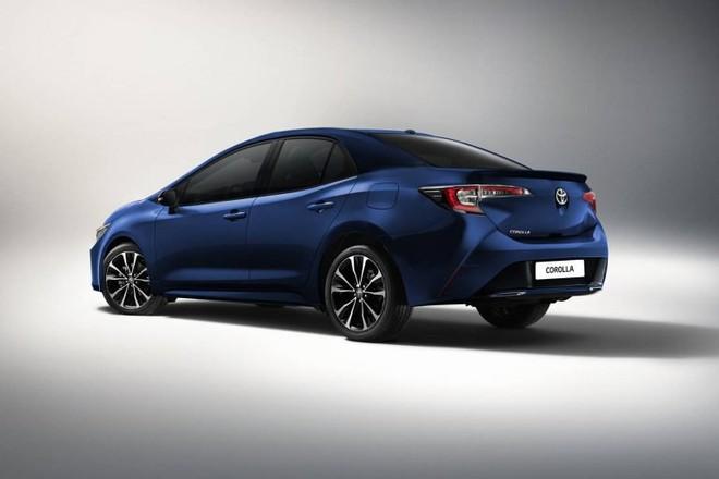 Hình ảnh render phía sau của Toyota Corolla Sedan 2019