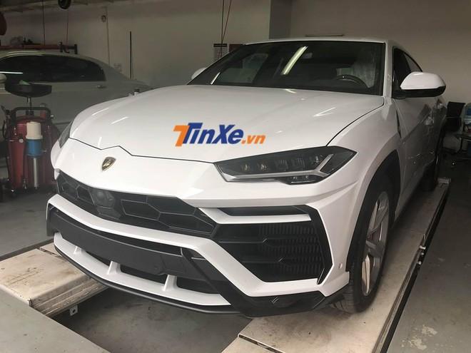 Cả 2 chiếc siêu SUV Lamborghini Urus về Việt Nam trong đợt đầu đã có chủ nhân mua