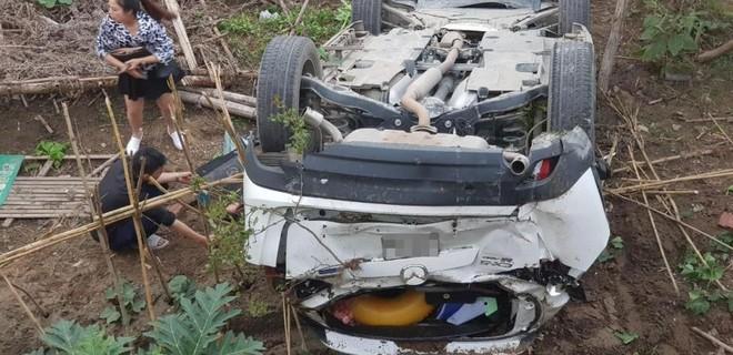 Chiếc Mazda CX-5 bị biến dạng hoàn toàn nhưng rất may không có thương vong về người