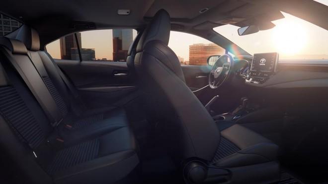 Nội thất của Toyota Corolla Altis 2019 trông cao cấp và sang trọng hơn trước