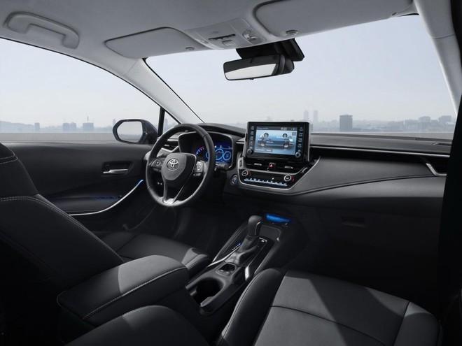 Không gian nội thất bên trong Toyota Corolla Altis 2019 ở những thị trường ngoài Trung Quốc