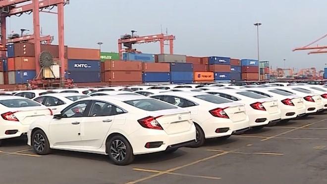 Tháng 10, ô tô nhập khẩu từ Ấn Độ giá hơn 17 tỷ đồng