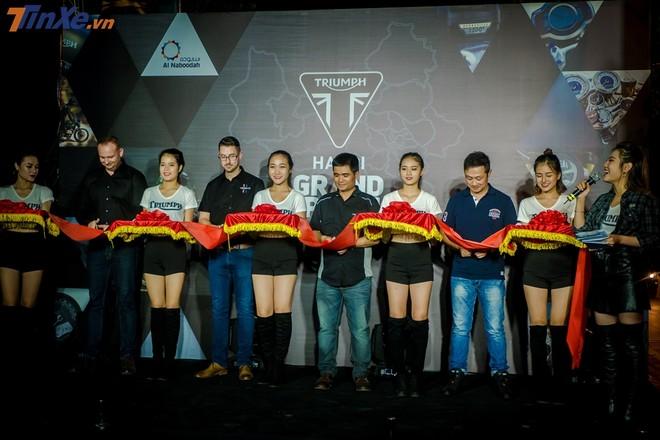 Lễ cắt băng khánh thành showroom Triumph Hà Nội
