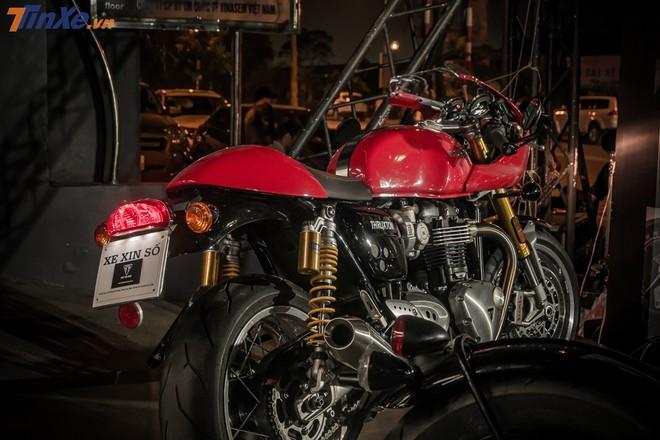 Triumph Thruxton R điệu đà trong ngày ra mắt showroom