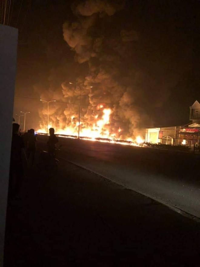 Vụ cháy kinh hoàng khiến 8 người thương vong, trong đó có 3 mẹ con đang ngủ trong nhà