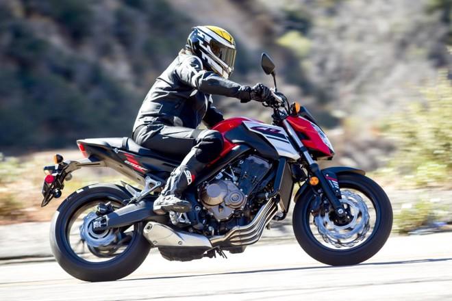 Honda CB650F 2018 với thiết kế cũ quen thuộc cùng cỗ máy 4 xy lanh sẽ được thay thế bằng đàn anh CB650R?