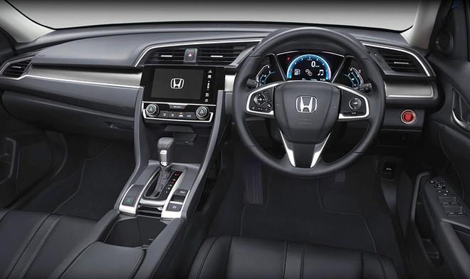 Nội thất bên trong Honda Civic bản cũ tại Thái Lan