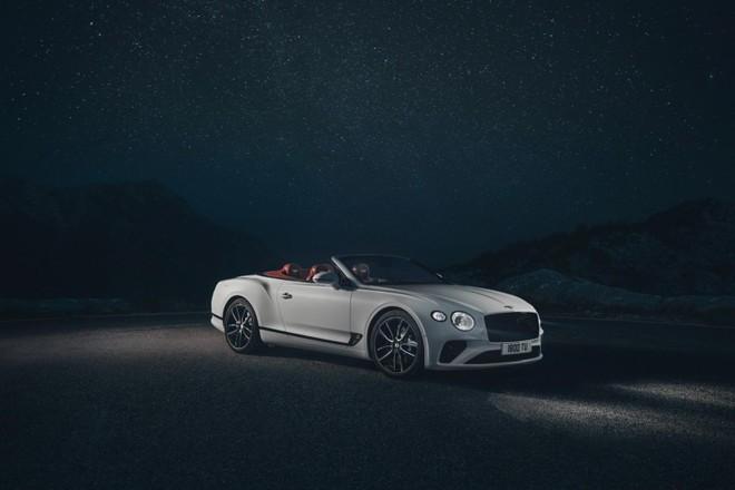 Bentley Continental GT Convertible 2020 được trang bị động cơ W12 mạnh mẽ